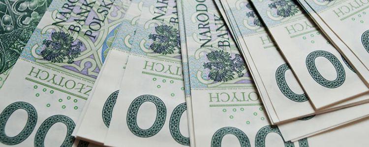 Żądanie wykazania zdolności kredytowej wykonawcy na postawie oceny tylko jednego banku