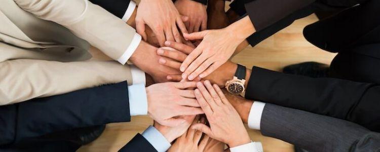 Czy zamawiający może wpływać na treść umowy regulującej współpracę wykonawców wspólnie ubiegających się o udzielenie zamówienia?