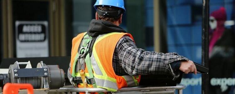 """Sformułowanie """"podmioty te zrealizują roboty budowlane lub usługi"""" jest pojęciem węższym od udziału tych podmiotów w realizacji zamówienia"""