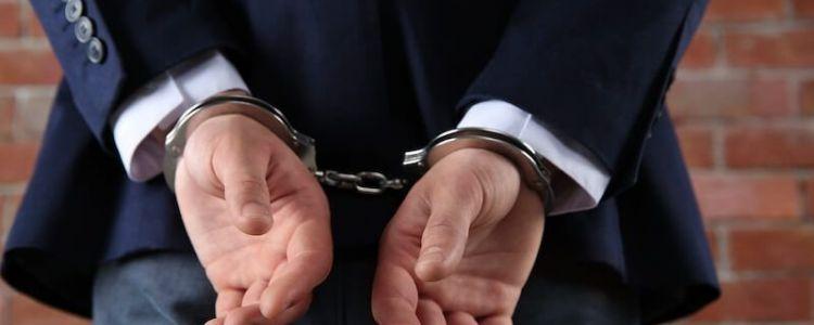 Zamawiający jest obowiązany wykluczyć z postępowania wykonawcę, który był karany w określonym zakresie, nawet w dniu przewidzianym na zawarcie umowy w sprawie zamówienia publicznego